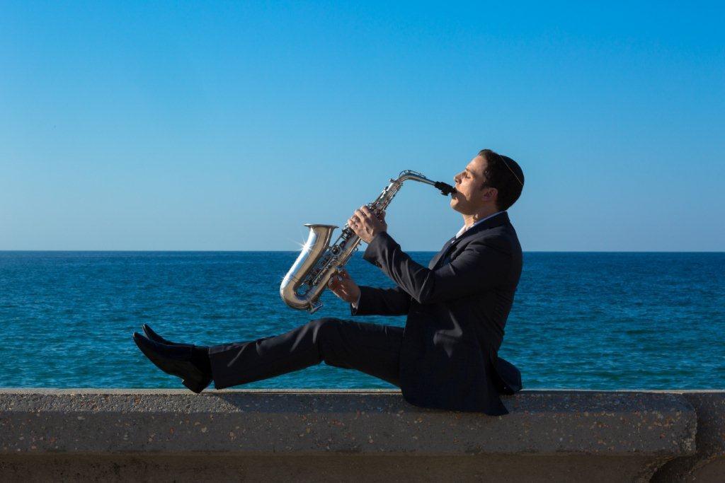 אגדלך: אלבום ראשון לסקסופוניסט דור אסרף