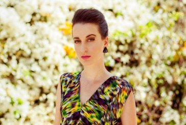הזמרת שהחליטה לנצח את הדיכאון באמצעות קמפיין מימון המונים