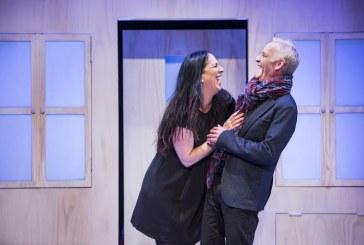זוג פתוח – הצגה חדשה ונוקבת על משבר הזוגיות בחברה המערבית