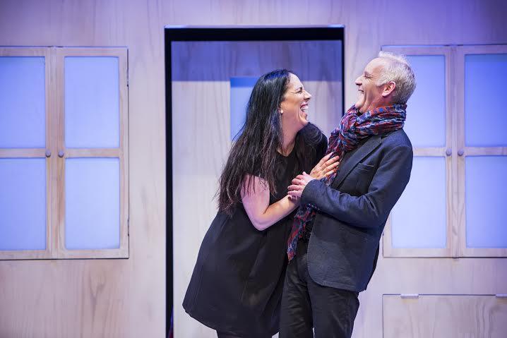שרון אלכסנדר ולירית בלבן בהצגה זוג פתוח של תיאטרון חיפה|צילום: כפיר בולוטין