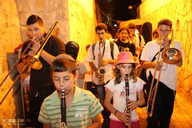 תהלוכה מוזיקלית|צילום: יוסי לוי