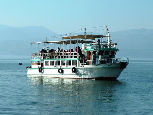 ספינת השייט|צילום:באדיבות תיירות עין גב